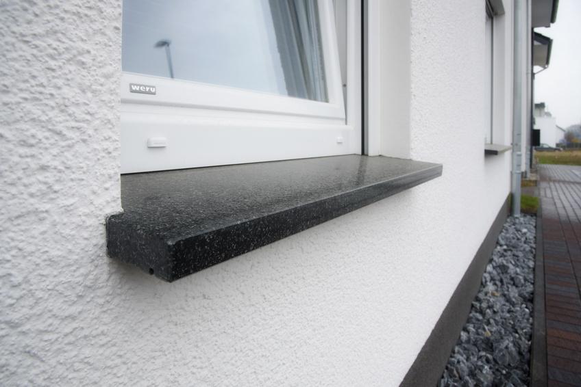 Granitfensterbänke günstig vom Produzenten kaufen ✓